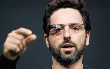 ▲眼鏡也可當手機 Google推最新實驗眼鏡,試圖在4、5年後取代手機,成為新世代行動裝置。