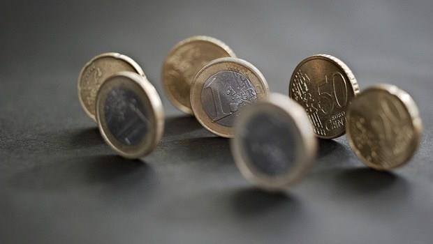 通縮蠢動  歐元須急貶15%