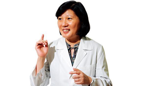 臺北榮民總醫院藥學部主任、陽明大學副教授 周月卿