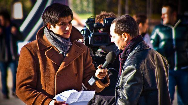 受夠主流媒體!何不每個月花150元自己養一個記者?