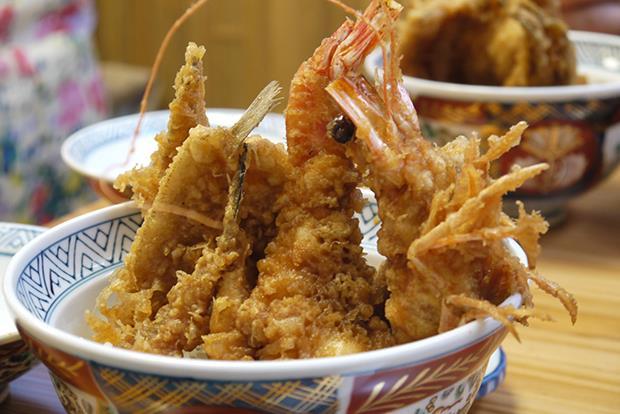 日本知名美食家大推!東京炸蝦飯就吃這一家