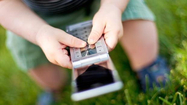 強烈建議!12歲以下兒童絕對不要滑手機