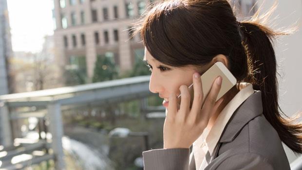 手機滑不停!10大常見「低頭族」病症,你中了幾個?