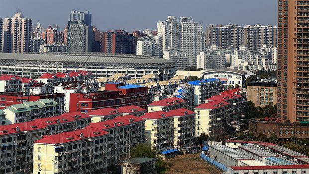 五一長假新房銷售掉八成》日本記者:中國房地產快崩潰了嗎?