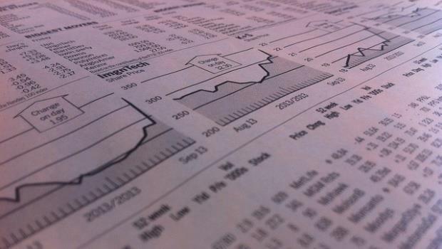 只知道要看「營收獲利」就投資股票,穩死的!