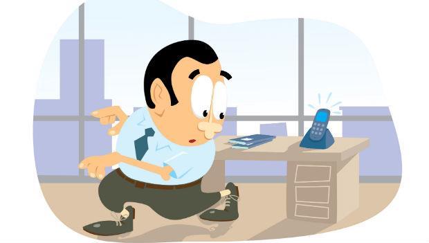 明明坐隔壁,卻不幫忙接電話,面對這種同事你可以.....