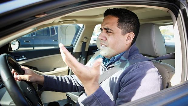 「馬路三寶」沒有極限!10種最讓人抓狂的白目駕駛