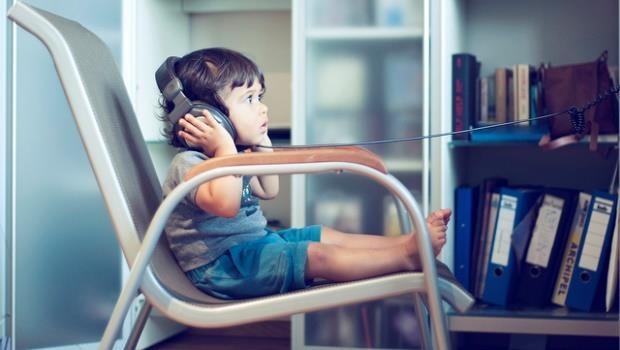 想要聽音樂提升專注力?研究說:老歌比新歌好