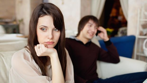 跟情人相處常常需要「磨合」?別再掙扎,你該分手了!