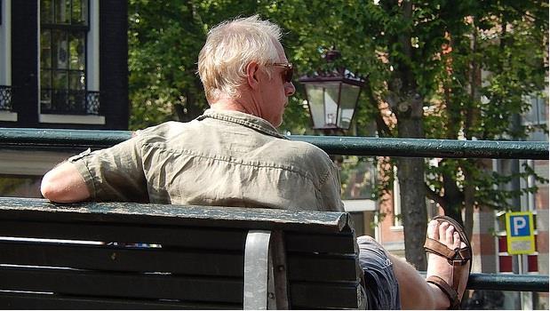 五十歲大叔:我們退不了休…只得竭盡所能...一直向前走