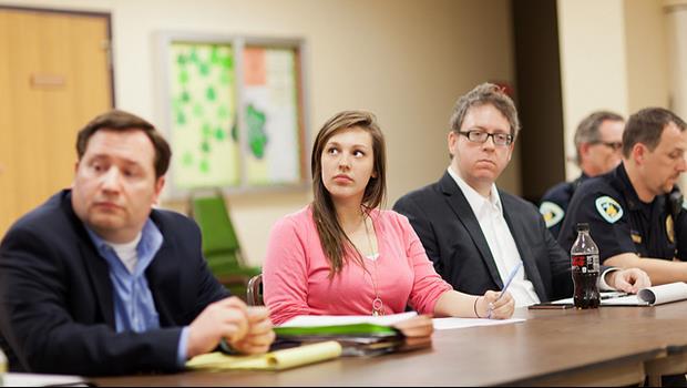 一收到會議通知就按「接受」?治癒你「開會強迫症」的方法