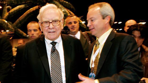 股神加碼「這三檔」股票!有明牌,巴菲特公布最新一季持股