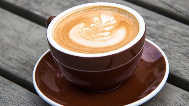 一早上班沒精神?科學家:「這個時間」喝咖啡最能提神!