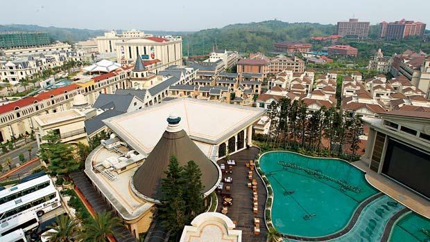 花了10年才建好的遊樂園、購物中心和飯店,只要沒資金壓力,義联董座林義守將繼續「待價而沽」。
