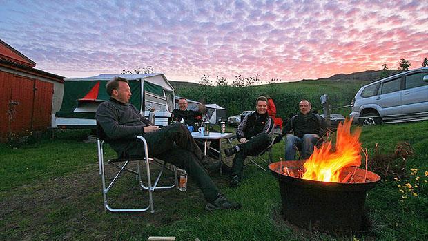 寒冬必備》為什麼露營達人願意多花錢買「炭精」而不是木炭?