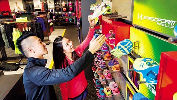 專業運動鞋目前營收占比13%、成長空間大,是UA創辦人普朗克最驕傲的產品,也是台廠的機會。