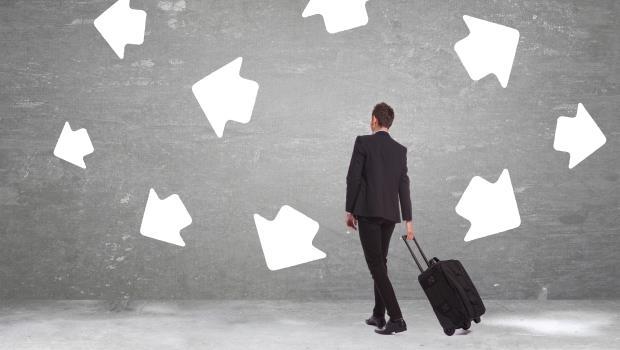 年後轉職?如果新工作會中斷你正在累積的「1萬小時專業」,就不該換