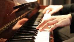 一個畢業生的提醒:讓孩子讀音樂班前,你知道99%音樂系學生,生涯高峰在畢業當天嗎?