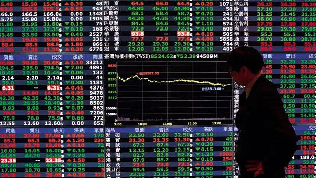 這篇是寫給台灣大媽看的...上市櫃公司去年獲利創歷史新高,為何台股今年跌跌不休?