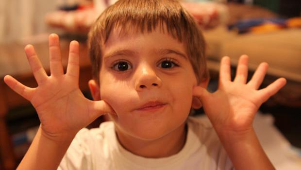 為什麼教養小孩,不應該要「一個扮黑臉、一個扮白臉」?