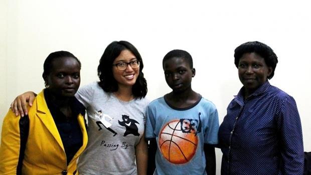 一樣是台大生募資,這樣做更讓人想支持》她24歲,想為烏干達小孩出版「在地的童書」