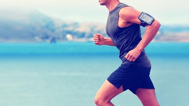 第一次感受到「活著」的感覺...40歲大叔:慢跑把我變成了另一個人