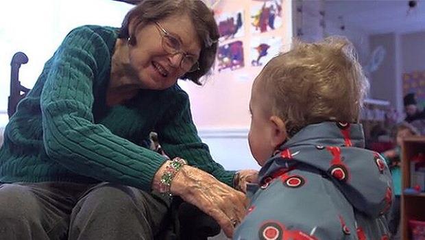 附影片》當幼兒園搬進了養老院,彼此都成為了對方最棒的夥伴!