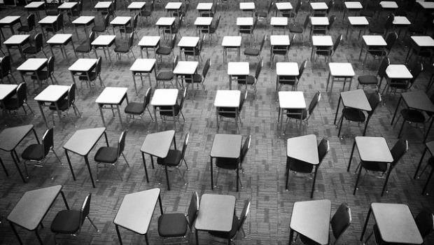 「考試機器」的悲哀:手上滿滿證照,卻不知道為何而考?