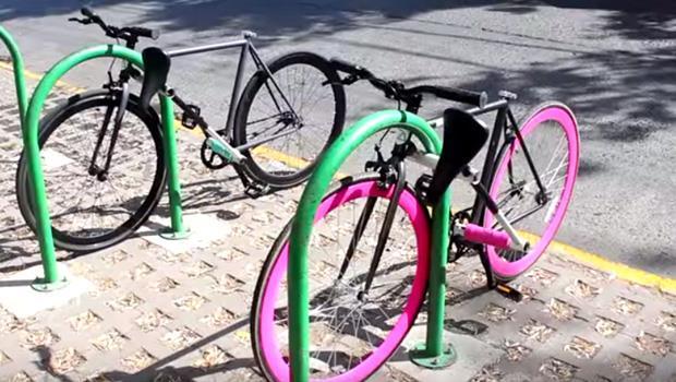 超酷的~單車10秒變大鎖!3個大學生發明這款「偷不了」的腳踏車