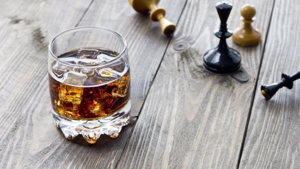 跟著皇家喝威士忌》想體會百年前國王們的調合式威士忌?我推薦這兩款