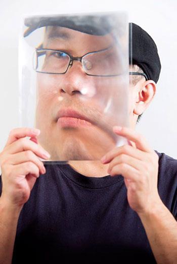 黃心健結合3D 投影的新作《繼承之物》應邀成為洛杉磯2015 全球電腦圖像與互動技術年會開幕演出,為台灣第一人。