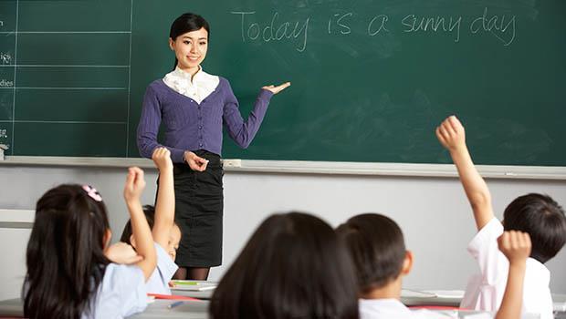 「老師怎麼能有上下班時間!」台灣人,別再以尊師為名,行奴役之實