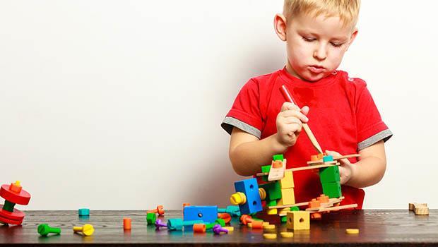 「你不愛惜玩具,就送給別的小朋友玩吧」為什麼父母對孩子說這句話很糟糕?