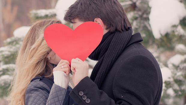 出社會人際圈變小...怎麼談戀愛?12星座上班族,適合什麼方式找到另一半