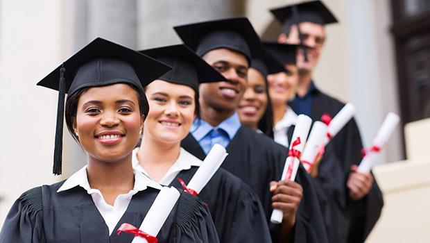 6年漲30%!荷蘭大學學費漲多少,薪水就調多少》荷蘭爸爸:台灣的問題是薪資「凍漲」