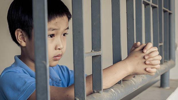 一位小學老師在教育現場的觀察:一個8歲小孩,也許就這樣走上「罪大惡極」的路