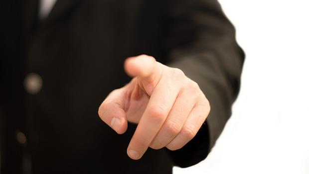 第一次見面就跟你抱怨公司內幕的員工,請和他們保持距離!一個房仲專員給我的啟示...
