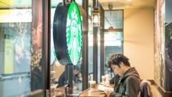 一杯咖啡成本30元...常喝「星巴克」的上班族比較笨?