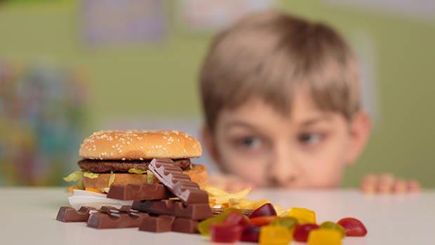 主婦聯盟媽媽們的食物教養課:別禁止小孩吃零食,你該做的是...