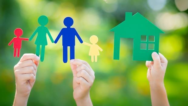 35歲還沒買房,是不是個魯蛇?先問問自己:在人生最後會愛你的是房子還是家人