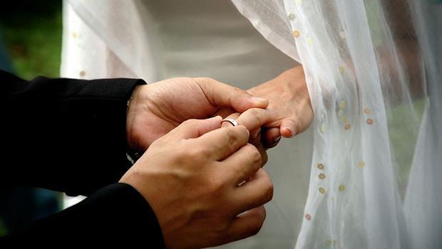 你該為了時間到而結婚嗎?