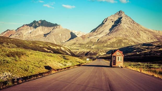 「天外奇蹟」真人版!這對夫妻走遍美洲,竟是帶著一棟「小木屋」