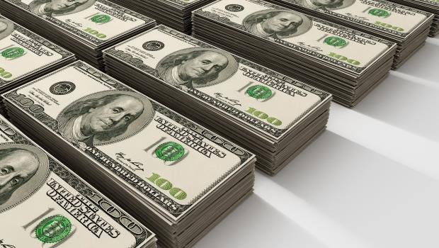 美元最近一直跌,大戶:兩個理由,我還是看好美國