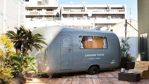 想嘗鮮的看過來!東京表參道這間「小巴旅館」,簡約無印風讓Airbnb網友都大推