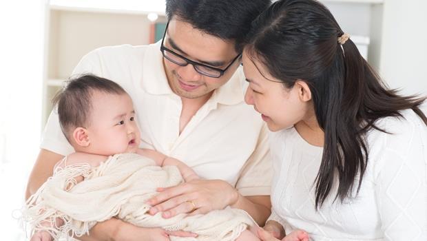 沒時間吃飯、看起來很累...新手爸媽一定懂!初為父母必經的10件事