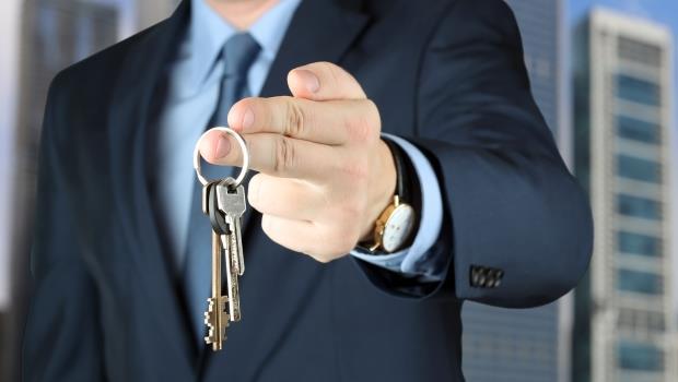 最新「惡房仲名單」曝光!不想被超收服務費,買賣房子前快下載