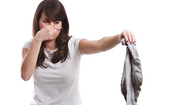 一樣是老公亂丟襪子,生了孩子後太太突然不能容忍的原因是...