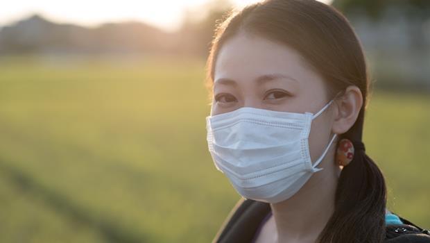 流感、PM2.5大軍壓境!朝這款口罩噴30分鐘超強流感病毒,竟能防禦99%