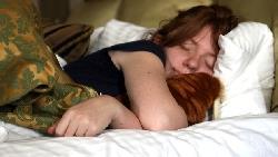科學家支持:女性比男性需要更多睡眠!原因是....