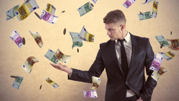 錢收入薪水